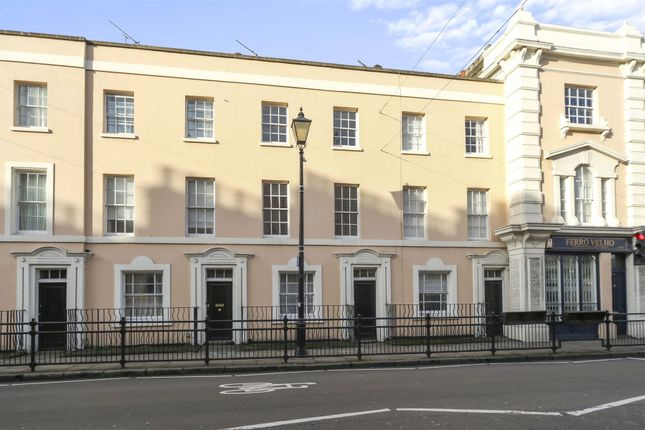 Picture No. 14 of College Approach, Greenwich, London SE10