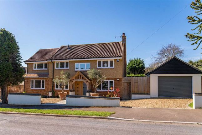 Thumbnail Detached house for sale in Hilltop Road, Kings Langley