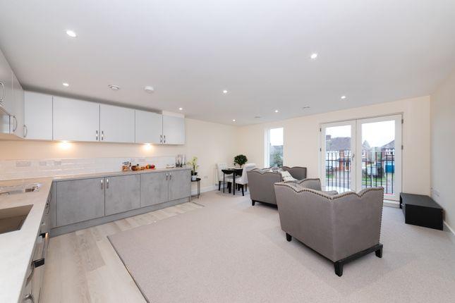 Thumbnail Flat for sale in Lovell Lodge, Milton Road, Cambridge