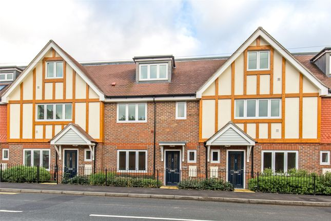 Thumbnail Terraced house for sale in Hillcrest Road, Edenbridge, Kent