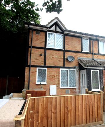 Thumbnail Semi-detached house to rent in Hawthorn Close, Hounslow