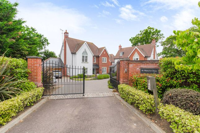 Thumbnail Detached house to rent in St Marys Close, Loughton