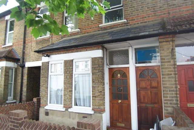 Thumbnail Flat to rent in Grosvenor Road, Hanwell