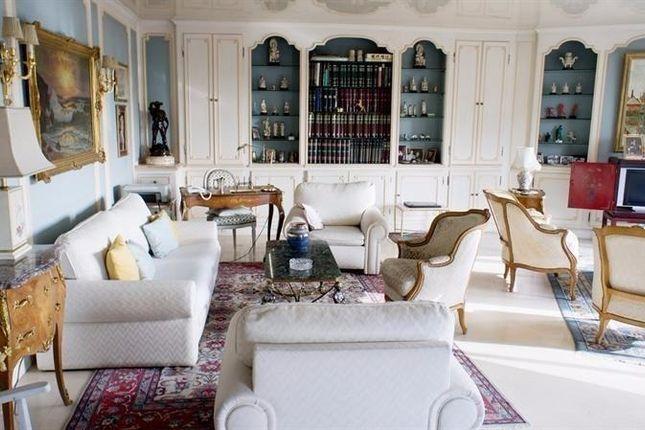 Thumbnail Apartment for sale in Saint-Mandé, Outside Paris (0-30 Km), France