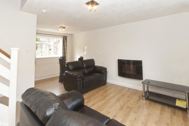 2 bed semi-detached house to rent in Highcliffe Court, York
