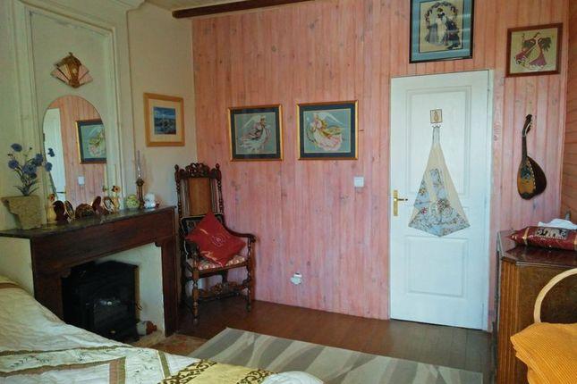 Bedroom 1 of Duras, France
