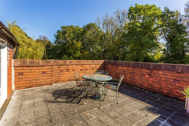 Picture No. 11 of Brickhouse Lane, Newchapel, Lingfield, Surrey RH7