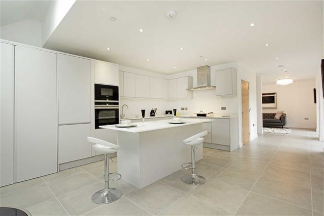 Thumbnail Mews house for sale in Swan Street, West Malling, Kent