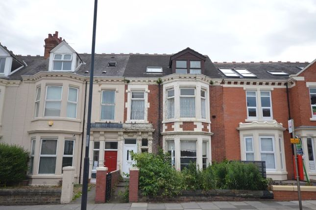 Thumbnail Terraced house for sale in Marine Avenue, Whitley Bay