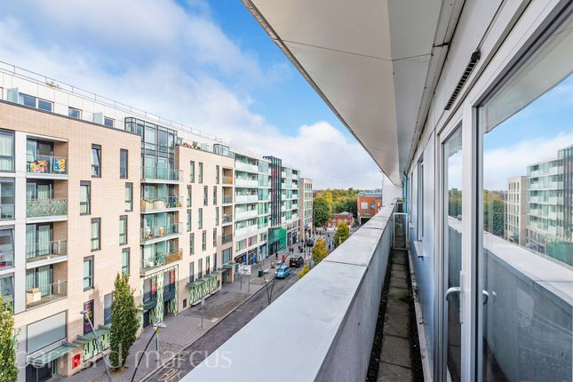 Flat for sale in Hudson House, Station Approach, Epsom