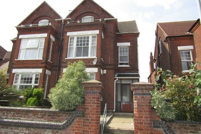 Thumbnail Flat to rent in Lowestoft Road, Gorleston, Great Yarmouth