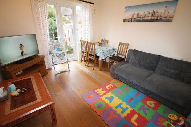 Thumbnail Flat to rent in Ashwood Avenue, Uxbridge