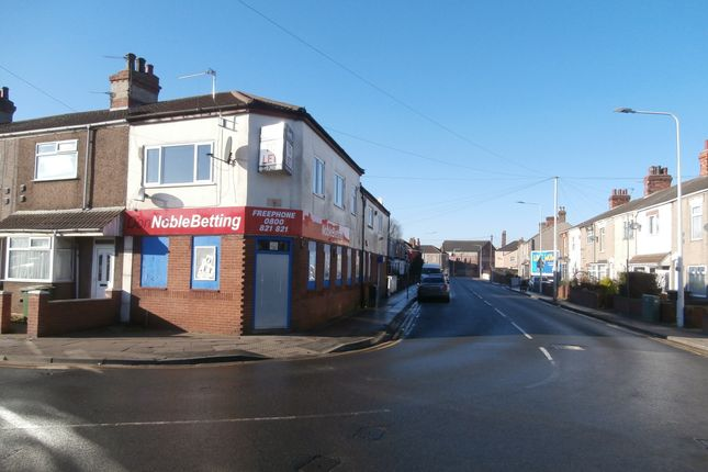 Thumbnail Flat to rent in Cartergate, Grimsby