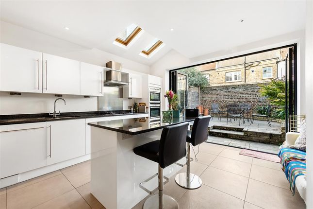 Thumbnail Terraced house to rent in Blandfield Road, London