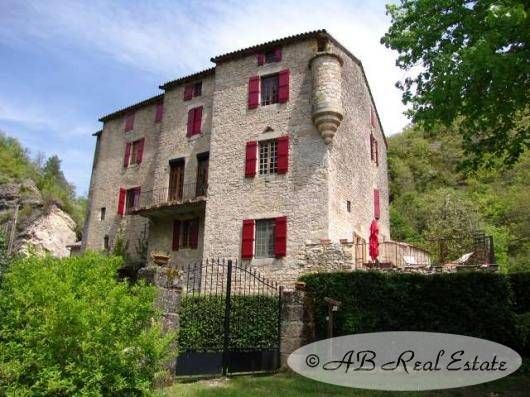 7 bed property for sale in 34700 Lodève, France