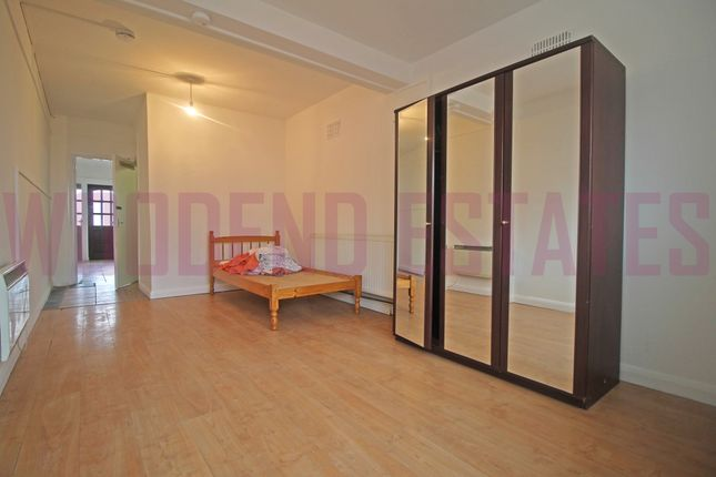 Thumbnail Flat to rent in Ranelagh Road, Southall