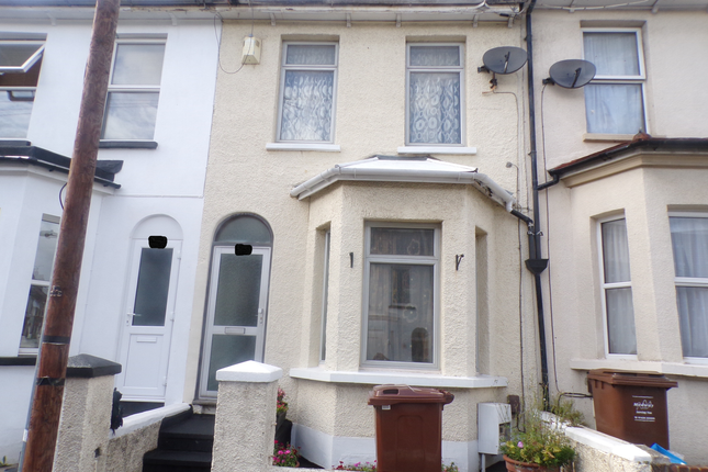 Thumbnail Flat to rent in Weston Road, Strood Rochester