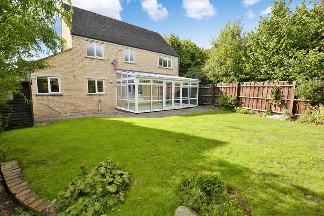 4 bed detached house for sale in Perrinsfield, Lechlade, Gloucestershire