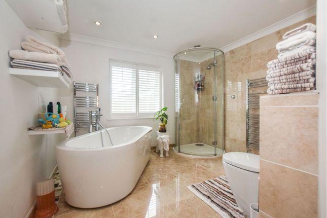 Family Bathroom of Cypress Avenue, Welwyn Garden City AL7