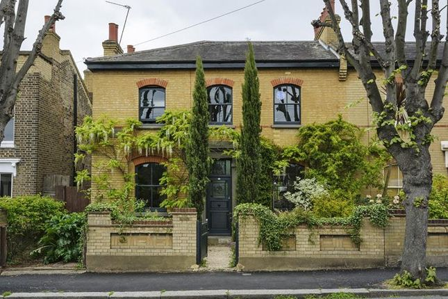 3 Bed Semi Detached House For Sale In Grosvenor Park Road Walthamstow London
