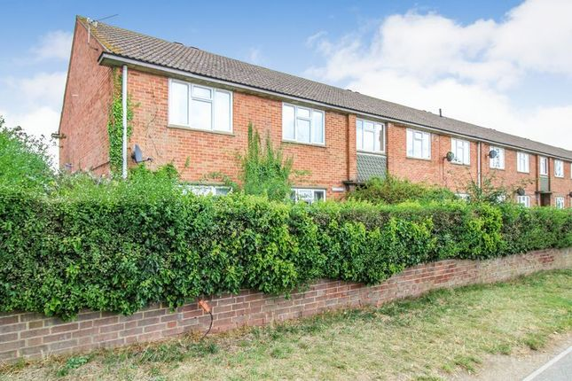 Thumbnail 2 bed flat for sale in Sydney Close, Station Road, Thatcham