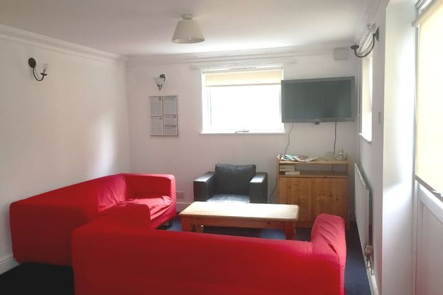 Thumbnail Shared accommodation to rent in Single Room, St James Road