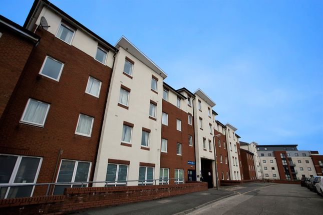 Thumbnail Flat to rent in Great Shaw Street, Preston, Lancashire