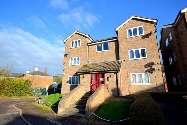 Thumbnail Flat for sale in The Lindens, Towcester