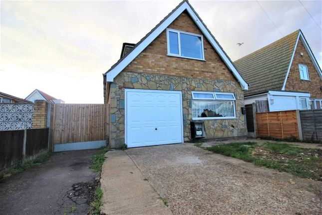 3 bed detached house to rent in Glebe Way, Jaywick, Clacton-On-Sea CO15