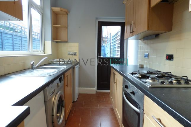 3 bed terraced house to rent in Warwick Street, Leicester
