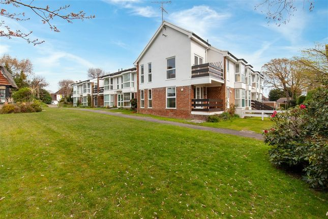 Main Picture of Pinewoods Court, Pinewoods, Bexhill TN39