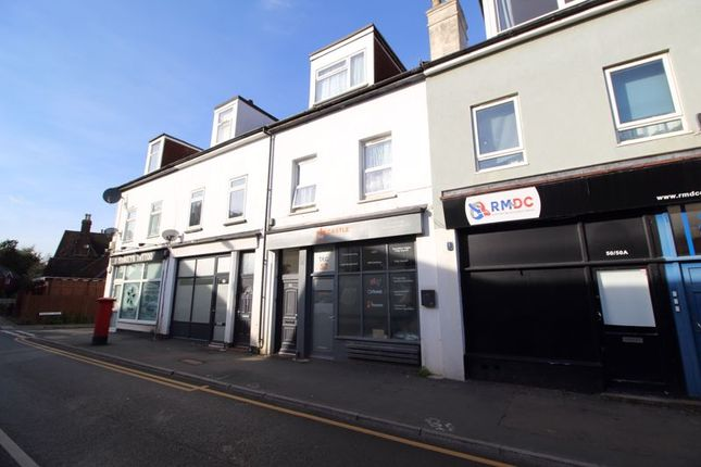 2 bed flat for sale in Westway, Caterham CR3