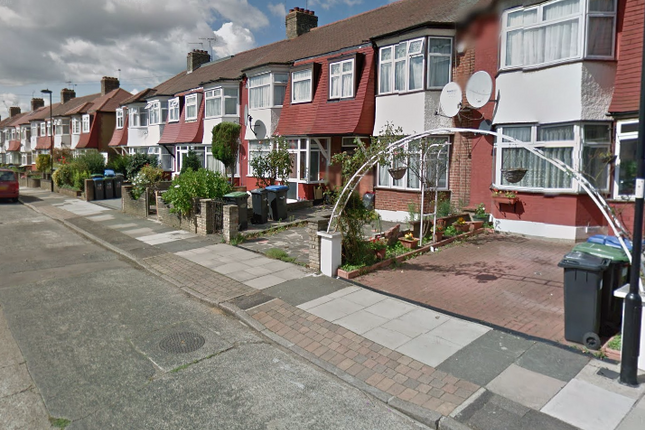 Thumbnail Terraced house to rent in Kendal Avenue, London, Greater London