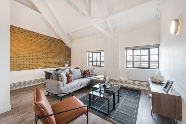 Thumbnail Flat to rent in Springfield House, Tyssen Street