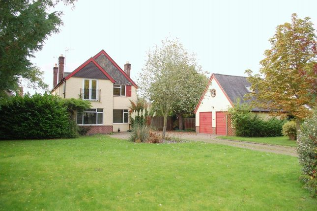 Thumbnail Detached house for sale in Priory Road, Alcester