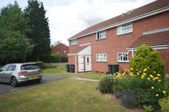 1 bed maisonette to rent in Ebourne Close, Kenilworth