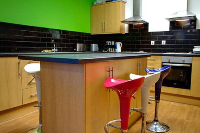 Thumbnail Flat to rent in Flat 2, 15 Southgate, Huddersfield