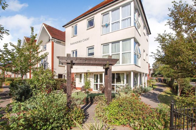 1 bed flat for sale in Avenue Road, Lymington, Hampshire SO41