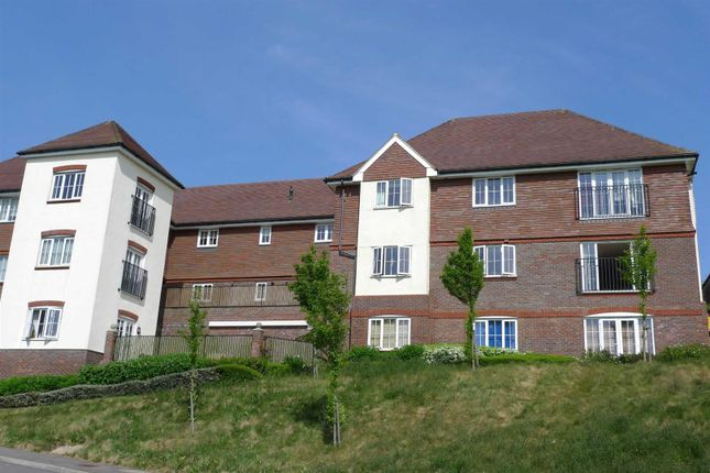 Thumbnail Flat to rent in Roundway, Bolnore Village, Haywards Heath