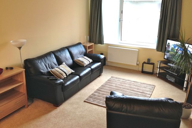 Thumbnail Flat to rent in Union Lane, Isleworth, Isleworth, Greater London