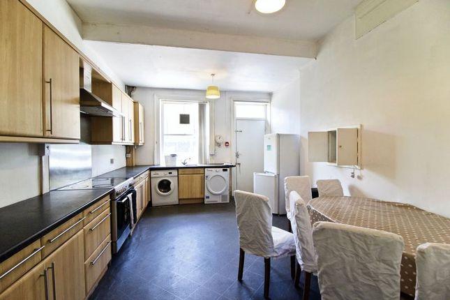 Kitchen of Trinity Street, Huddersfield HD1