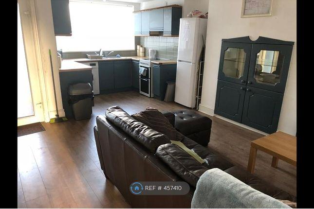 Thumbnail Room to rent in Box Lane, Pontefract