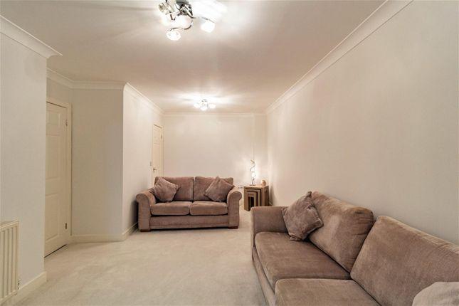 Livingroom1 of St. James Court, Castleford WF10