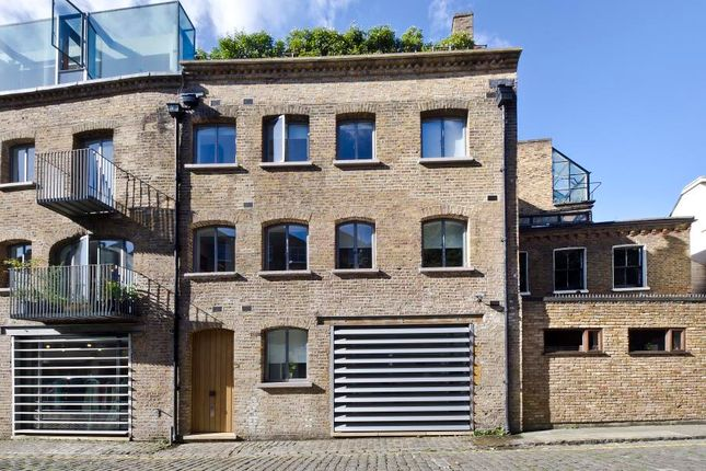 Thumbnail Property for sale in Greens Court, Lansdowne Mews, London