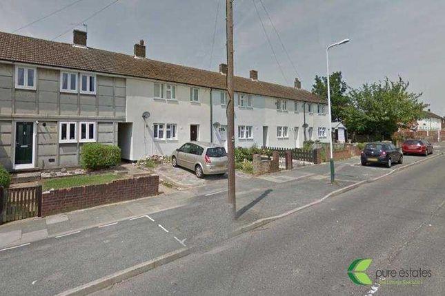 Thumbnail Flat to rent in Lodge Lane, Collier Row, Romford