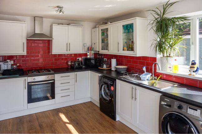 Kitchen of Anlaby Road, Hull HU4