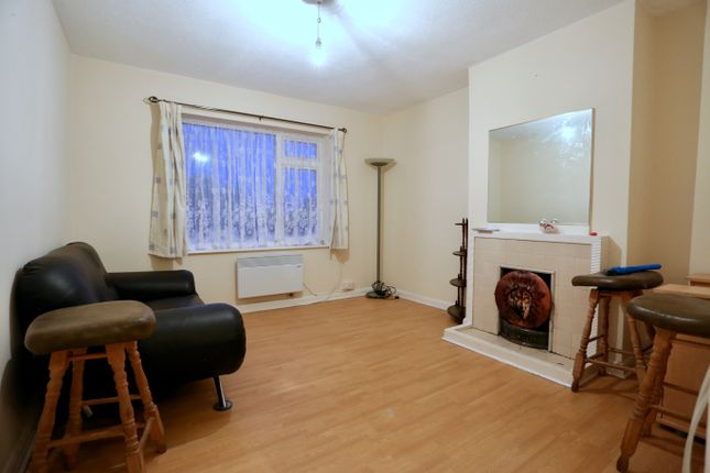 Living Room of Lower Cippenham Lane, Cippenham, Slough SL1