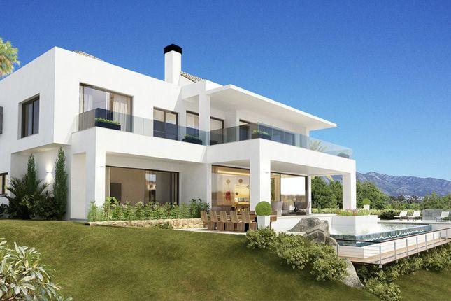 Villa for sale in Paraiso Medio, Costa Del Sol, Spain