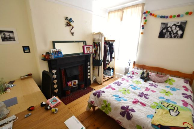 Thumbnail Property to rent in Inglefield Avenue, Heath, Cardiff