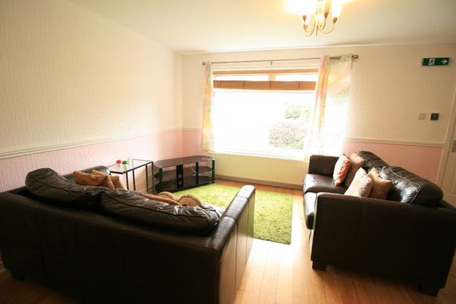 Photo 4 of Howth Terrace, Anniesland, Glasgow G13